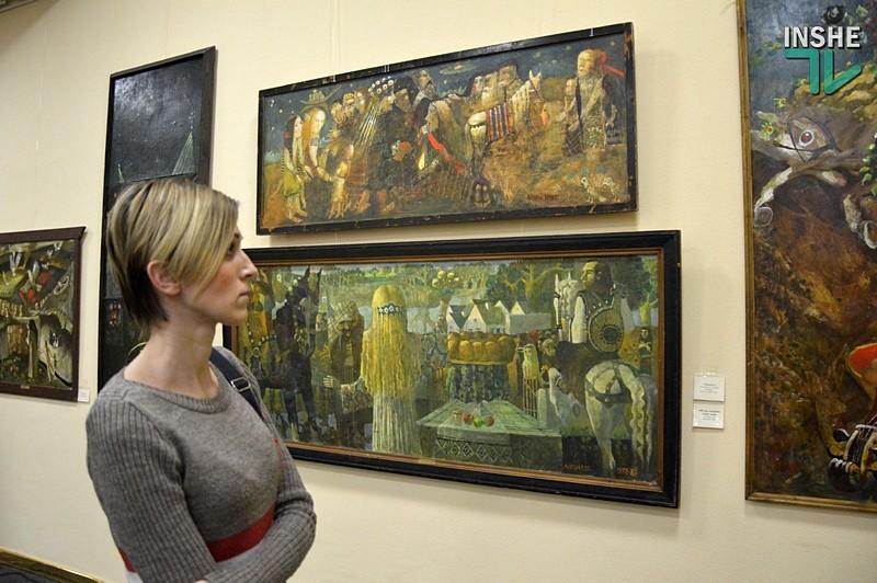 «Небесное и земное»: в Николаеве открылась выставка художника Андрея Антонюка