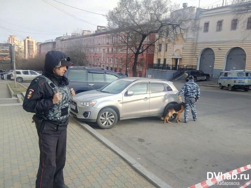 Нападение на ФСБ в Хабаровске. Установлен нападавший — местный неонацист
