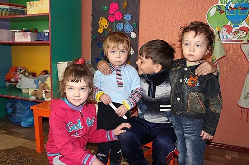 В Полтавской области десятилетний мальчишка вынес из пожара трех маленьких братьев