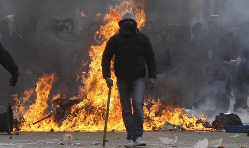 Тяжело быть мэром в Гватемале: местные жители сожгли градоначальника