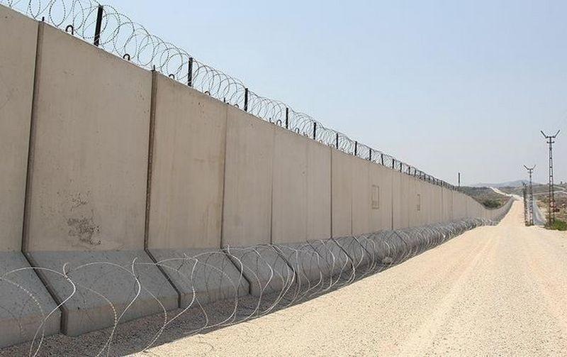 """На строительство """"стены"""" на границе США с Мексикой хотят выделить $18 млрд в течение 10 лет"""