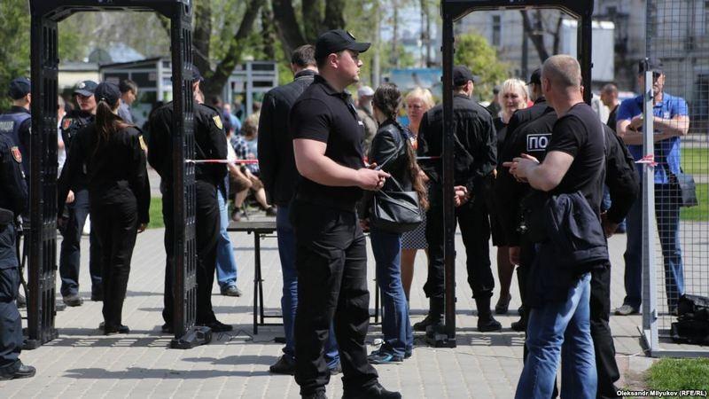 Памятные мероприятия в Одессе: задержанных оказалось больше