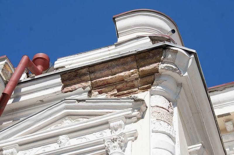 Разрушающееся здание Николаевского русдрама проинспектировали – срочно готовится документация на проведение ремонтных работ