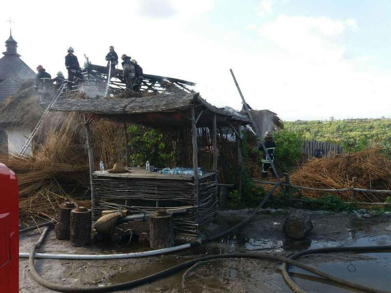 Пока по непонятным причинам горела «Запорожская Сечь» на Хортице