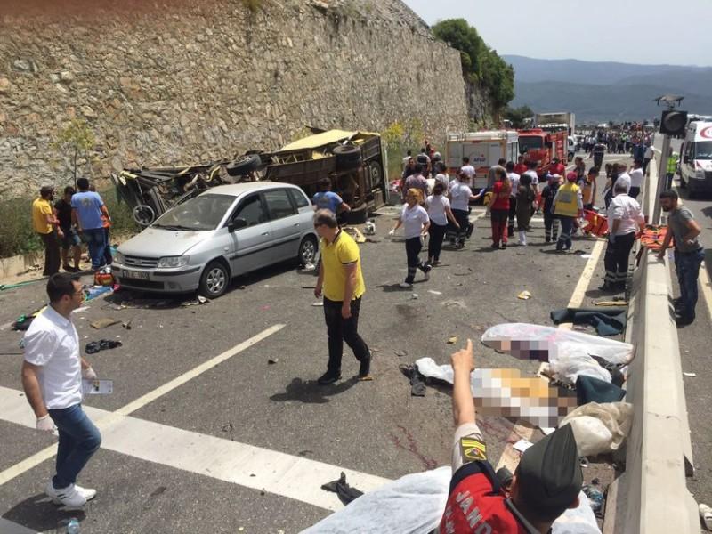 В Турции во время ДТП  погибли как минимум 20 туристов