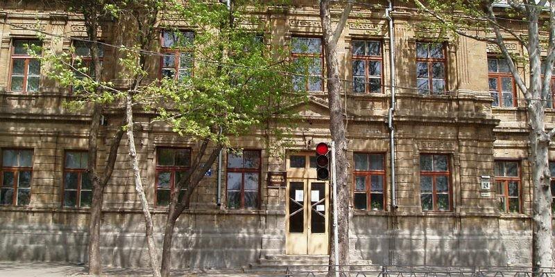 Старое здание гимназии №2 в Николаеве закрывать не будут — выводы экспертизы
