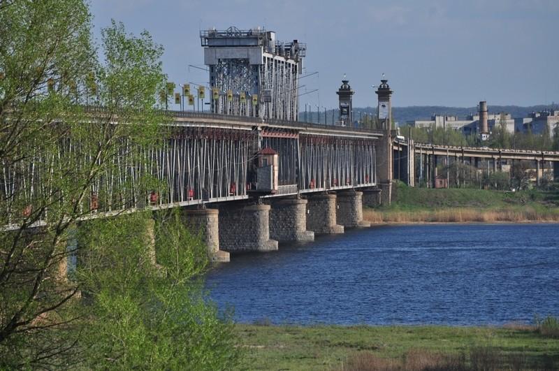 Китай даст кредит в $300 млн на строительство моста в Кременчуге