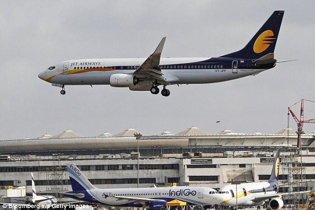У мальчугана, появившегося на борту Jet Airways, теперь есть пожизненный проездной на все рейсы авиакомпании