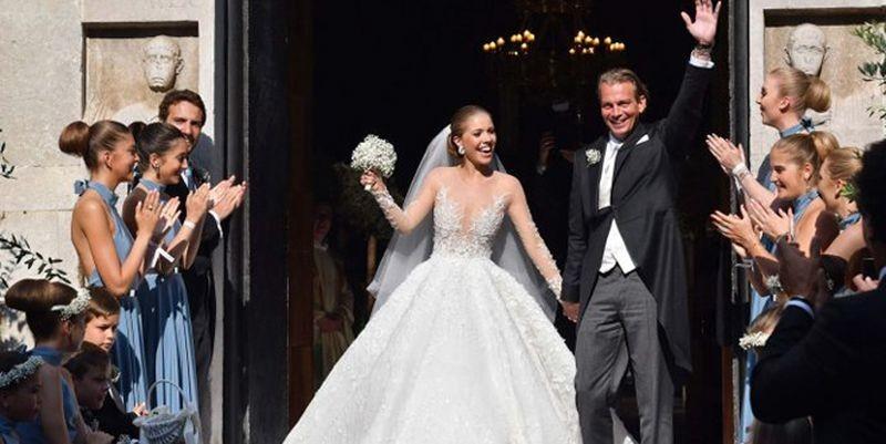 Девушки, а вы тоже так хотите? Наследница империи Swarovski вышла замуж в платье, на котором было 500 тысяч кристаллов