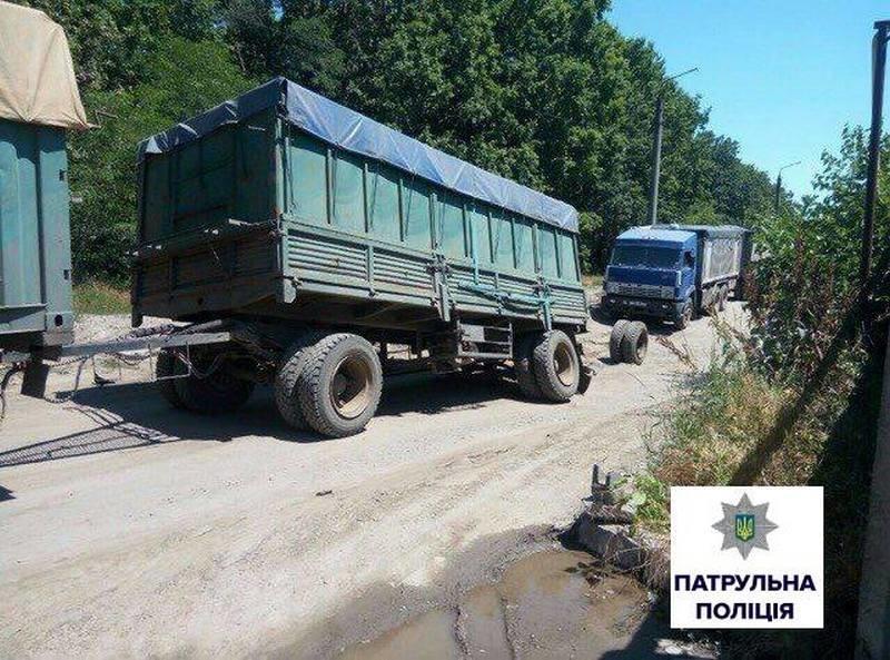 Вниманию водителей! В результате ДТП движение по ул.Турбинной в Николаеве заблокировано