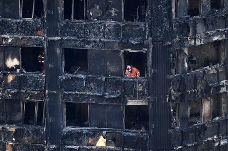 Число погибших в пожаре в многоэтажке Лондона выросло до 58 человек
