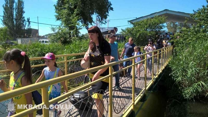 """В Николаеве 110 юных николаевцев отправились на первую смену в лагерь """"Дельфин"""". И среди них впервые – дети с особыми потребностями"""