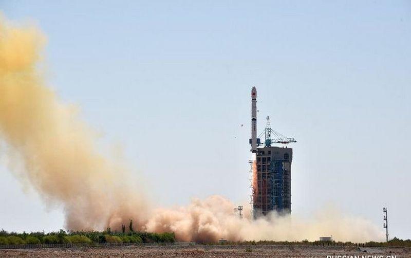 Китайцы вывели на орбиту телескоп для изучения черных дыр