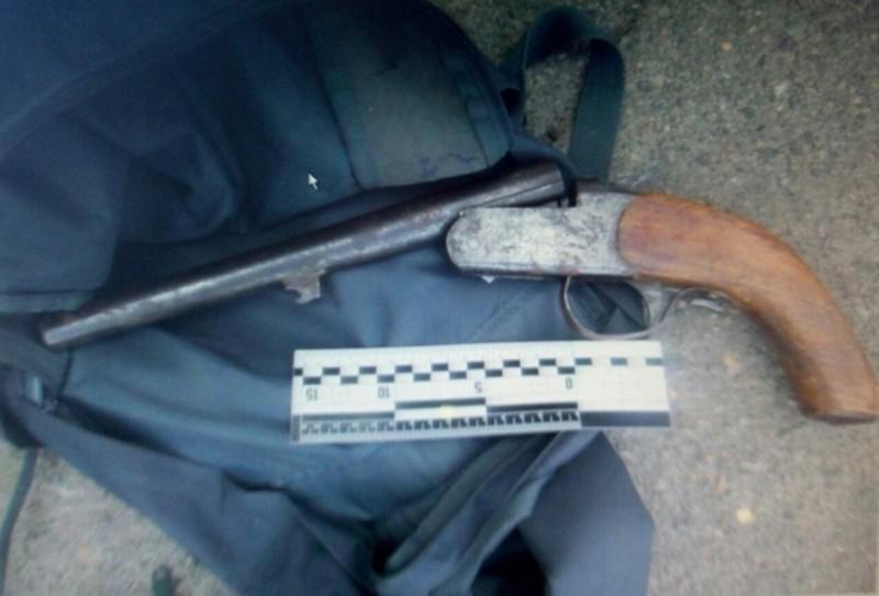 В Николаеве подросток застрелился из найденного дробовика отца
