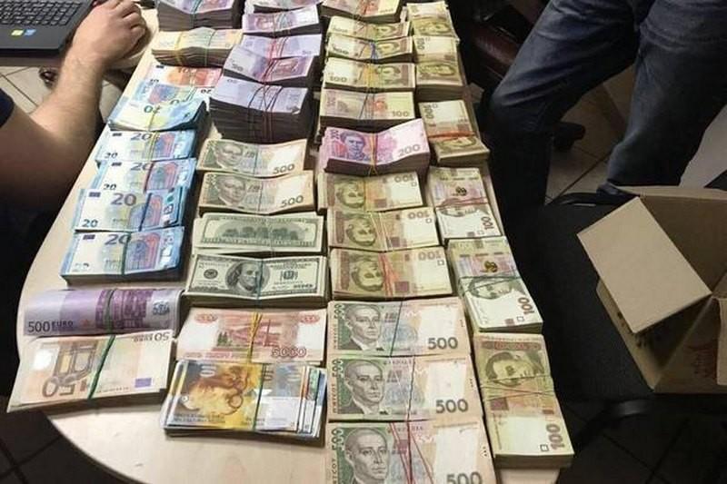 В Киеве ликвидирован конвертцентр с оборотом более 150 млн.грн.