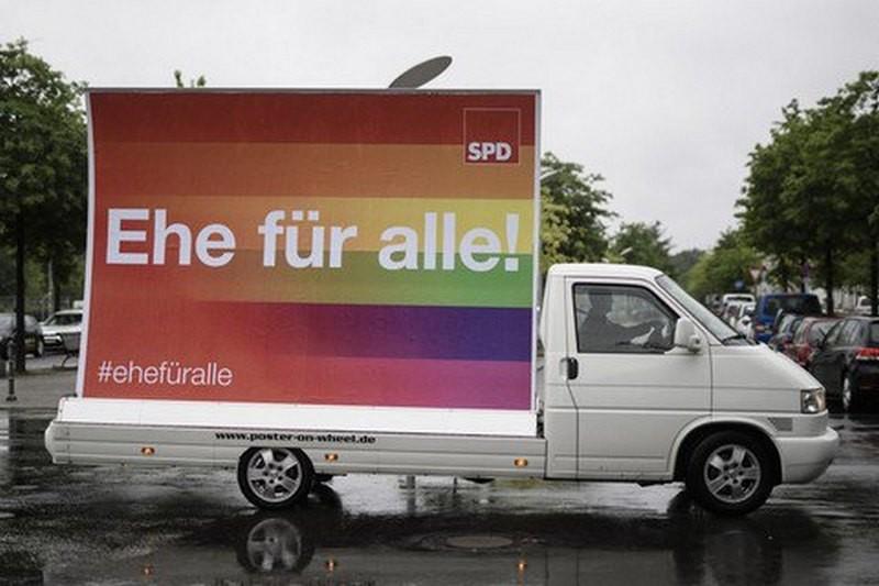 В Германии парламент одобрил однополые браки