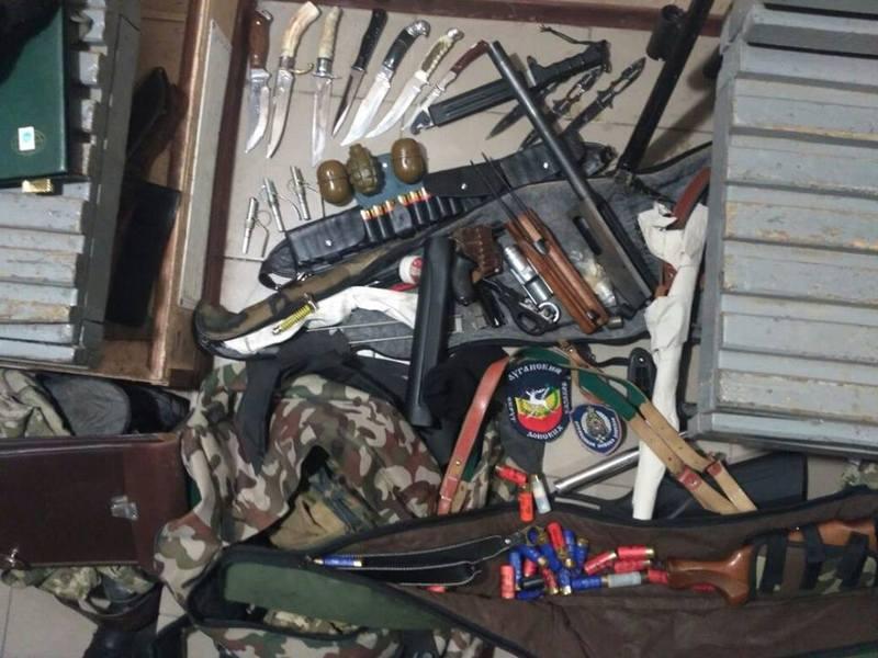 В Харькове задержали двух пограничников, перевозивших оружие из зоны АТО