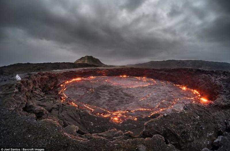 Геологи предложили предсказывать извержение вулканов по изменению высоты его жерла и прилегающих окрестностей