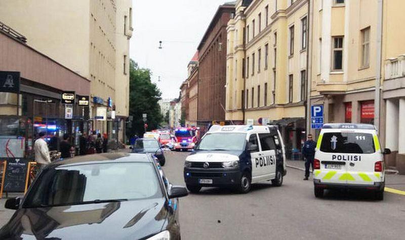 Не теракт, просто пьяный: в Хельсинки водитель авто въехал в толпу людей