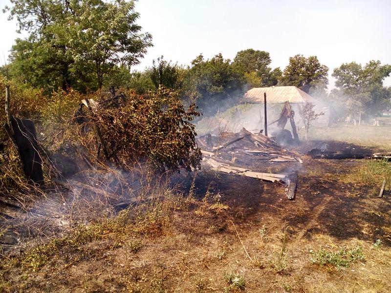 В Вознесенске спасатели тушили жилой дом, а в Кривом Озере и Николаеве – хозпостройки