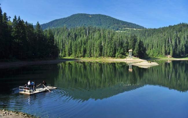 Идеи для отпуска. Это надо видеть: жемчужина Закарпатья – озеро Синевир