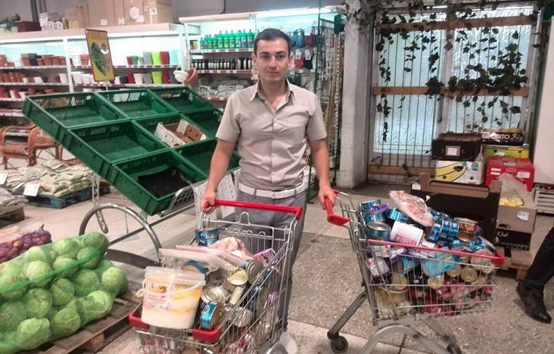 """Общественники обнаружили в николаевском супермаркете """"горы просрочки"""" и несвежее мясо"""