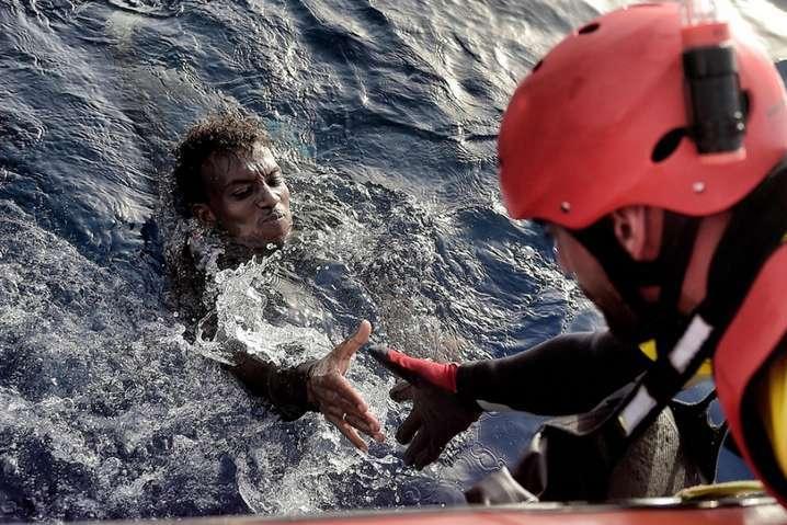 «Врачи без границ» больше не будут спасать нелегальных мигрантов в Средиземном море