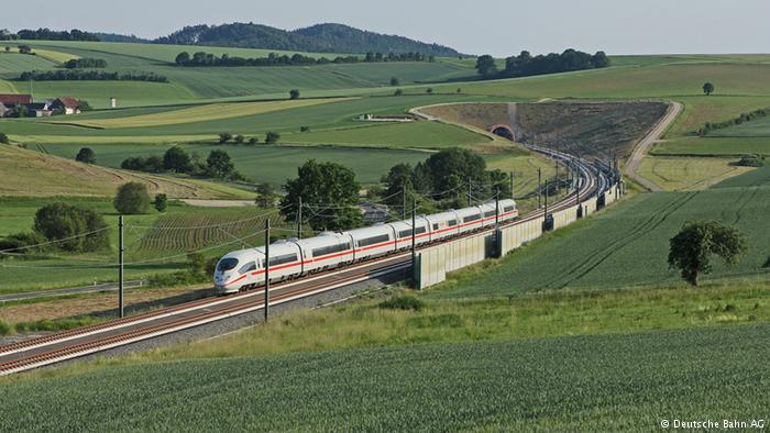 В Германии кто-то начал поджигать сигнальное оборудование на железнодорожных вокзалах — движение поездов «сбоит»
