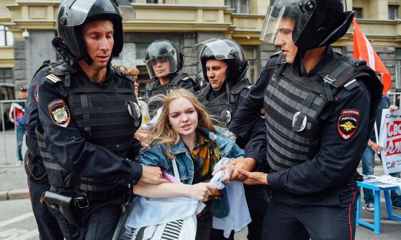 В РФ протестовали против цензуры в Интернете. Более 10 задержанных