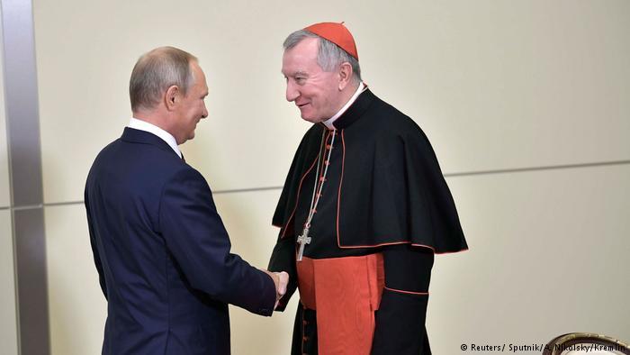 А на словах Папа просил передать. Что сказал Путину госсекретарь Ватикана