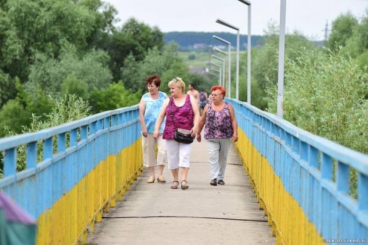 ВИвано-Франковске под мостом через реку обнаружили взрывчатку
