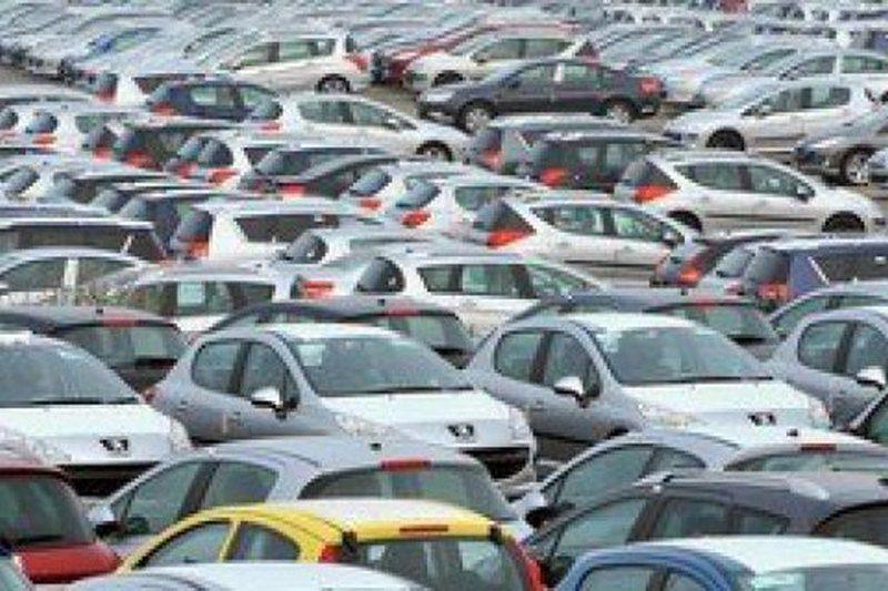 В Киеве обнаружили более 630 брошенных автомобилей