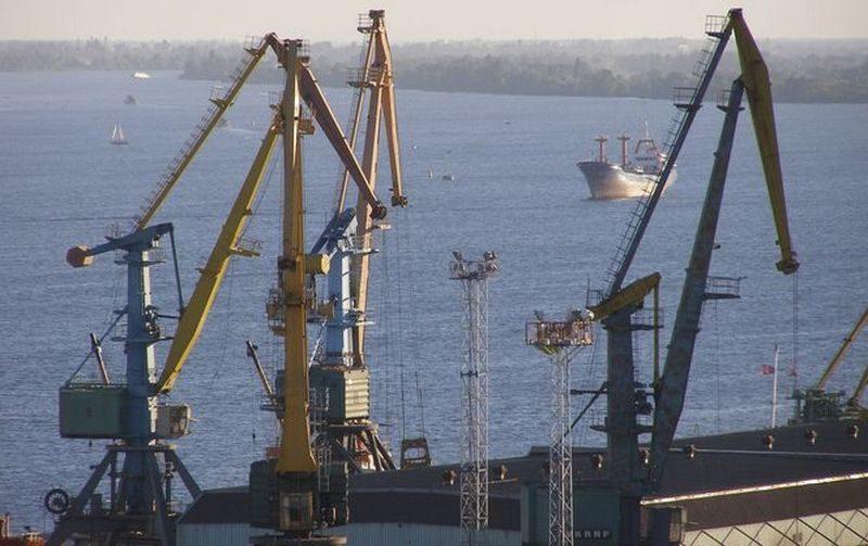 Херсонский горсовет обратился к Президенту и Премьеру с требованием отказаться от проекта МИУ концессии Херсонского порта