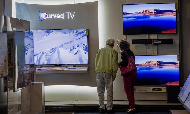 Швейцарцы радуются: со следующего года платить за пользование радио и телевизором будут меньше