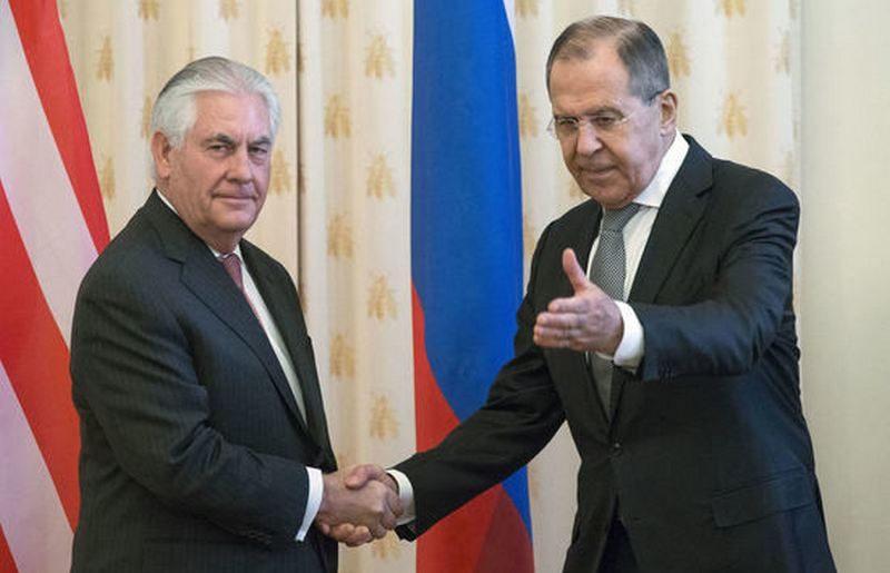 Тиллерсон высказался против эскалации в отношениях с РФ