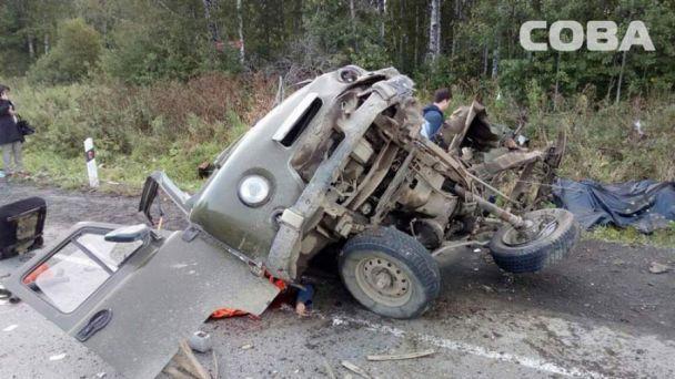 Жуть: в России тягач раздавил две машины: погибли 8 человек, четверо в больнице