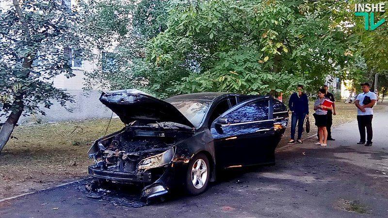 Предупреждение или месть? Ночью сожгли автомобиль директора Николаевского автовокзала