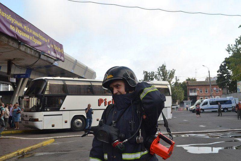 В Одессе горел Центральный автовокзал — пришлось эвакуировать 70 человек