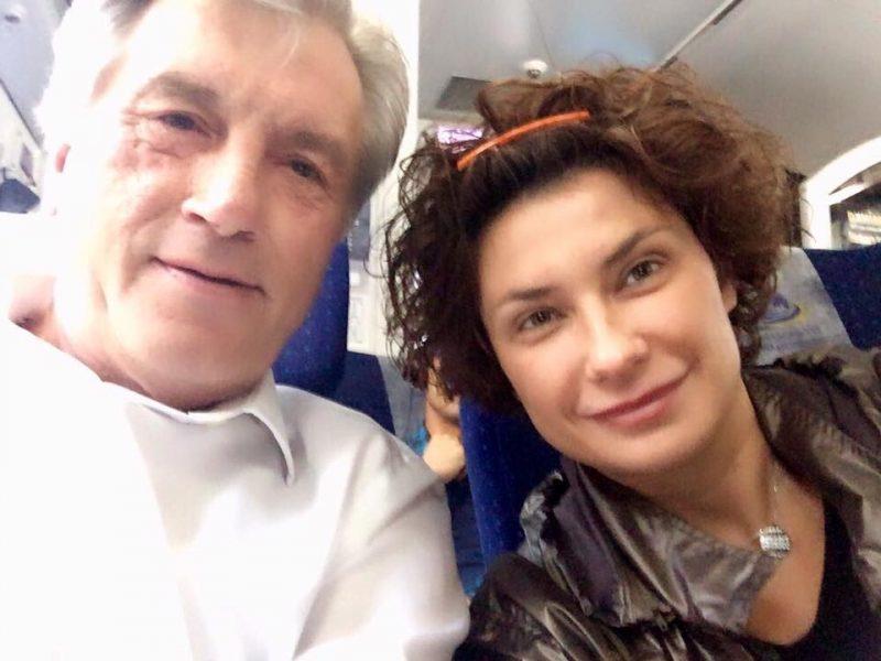 Ющенко, как и Сенкевич, поехал на экономический форум в Польшу. Но на электричке