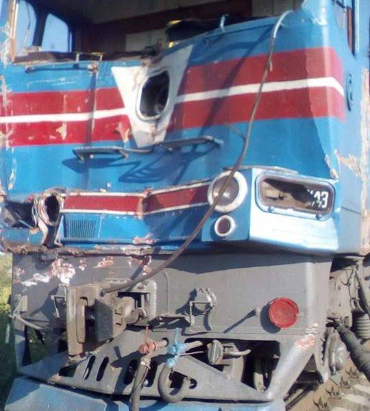 В Харьковской области грузовик столкнулся с поездом