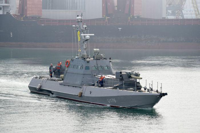 ВМС Украины приняли на вооружение два бронированных катера