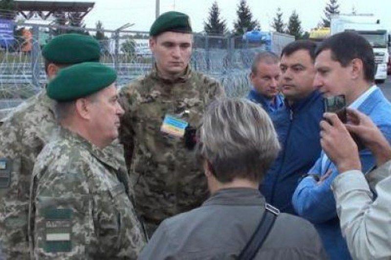 """Пограничники пообещали не пустить Саакашвили в Украину: """"Изымем паспорта и вернём в Польшу"""""""