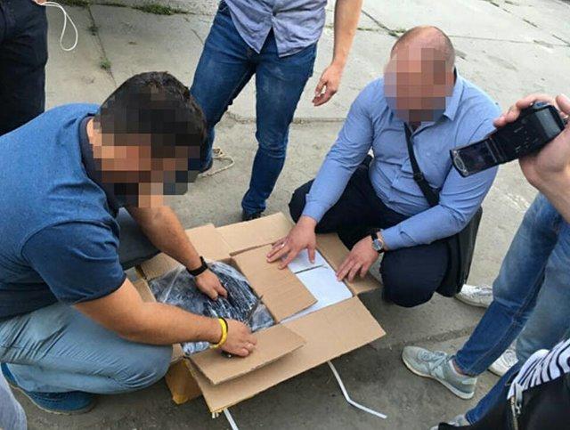 Почем метр государственной границы? В Одесском морпорту задержали банду таможенников
