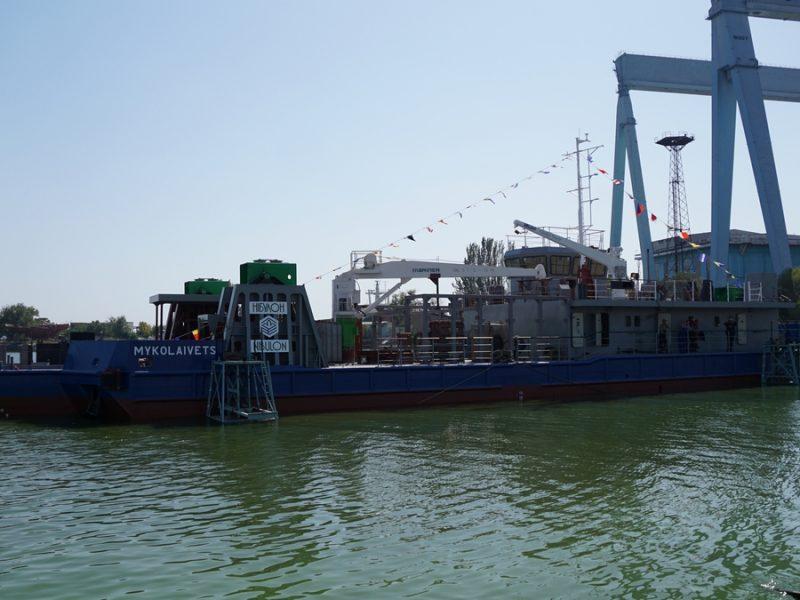 «Николаевец» – так назвал «НИБУЛОН» уникальное дноуглубительное судно, спущенное на воду ко Дню города