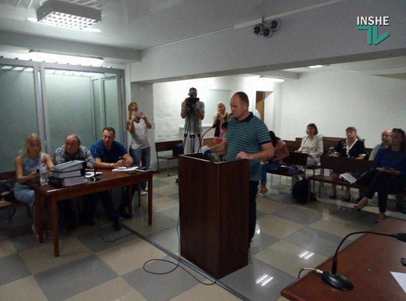 Депутат Николаевского облсовета Барна дал показания в суде по делу Романчука