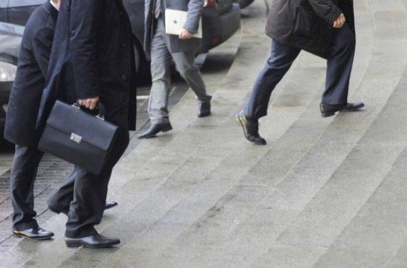 Большая часть высоких зарплат новых украинских чиновников будет приходиться на надбавки