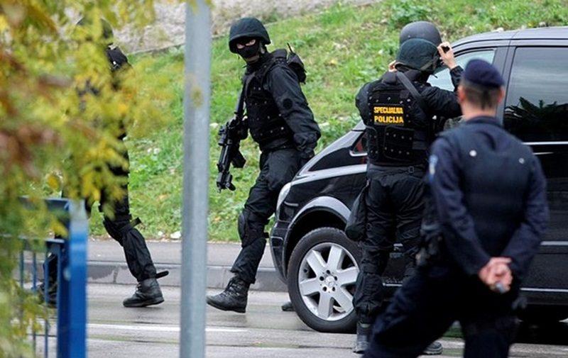 В Хорватии мужчина с ножом напал на посетителей кафе