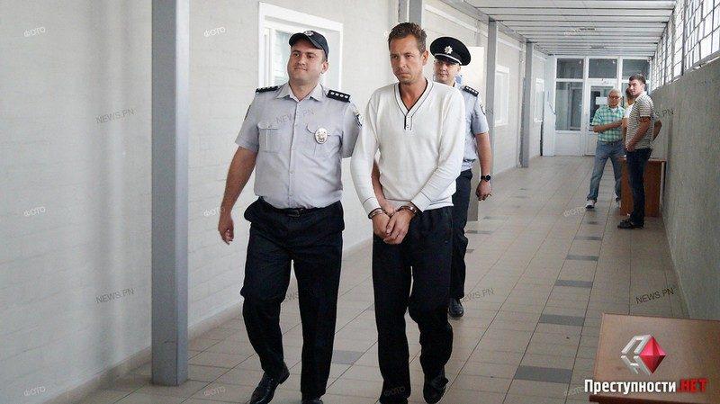 В Николаеве суд признал виновным водителя самосвала, сбившего насмерть первоклассника, и отпустил на волю