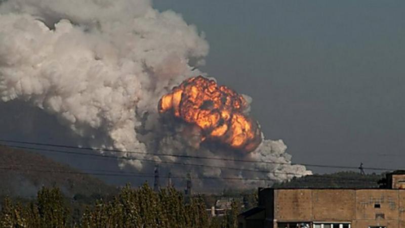 Халатность, — военный прокурор АТО уточнил причину взрывов на складе боеприпасов под Мариуполем