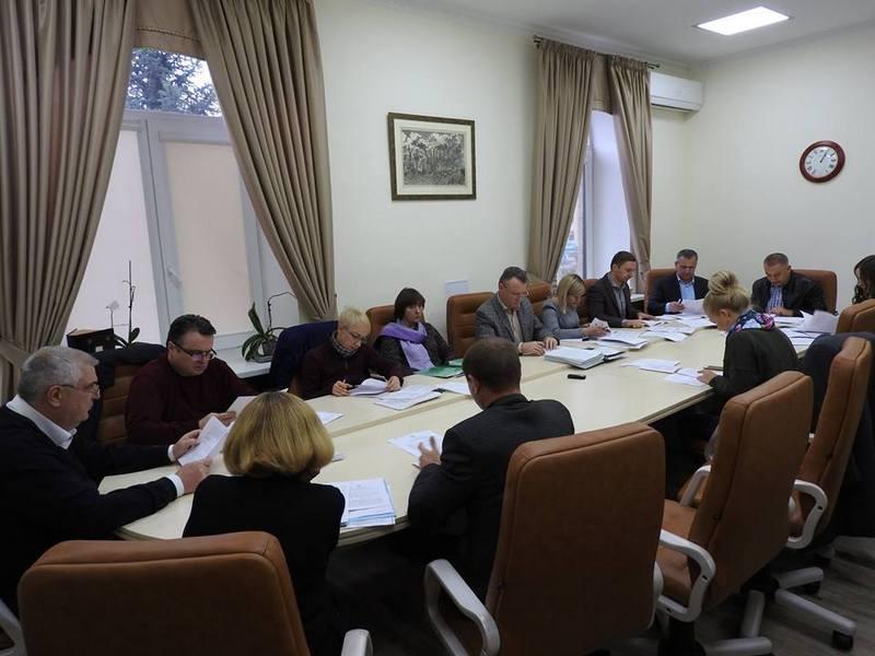 Земельная комиссия Николаевского горсовета обратилась к Казаковой, чтобы она объявила выговоры Палехе и Турупалову